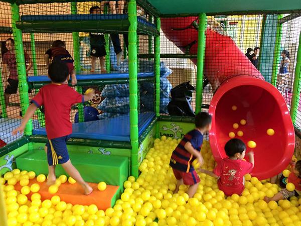跳跳蛙親子運動餐廳.jpg