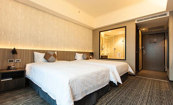 F Hotel-1.jpg