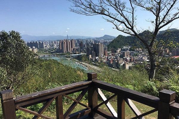 和美山登山步道(新北市觀光旅遊網).jpg
