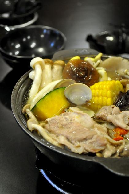御饌鼎皇一鍋一燒(社頭店) - 養生菇菇鍋