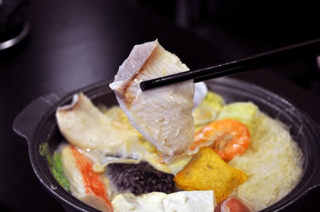 御饌鼎皇一鍋一燒(社頭店) - 海鮮牛奶鍋
