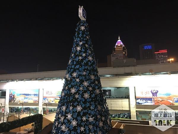 台北101聖誕樹 (1).JPG