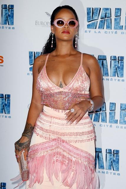 (001) Rihanna wears Chopard to the Valerian premie