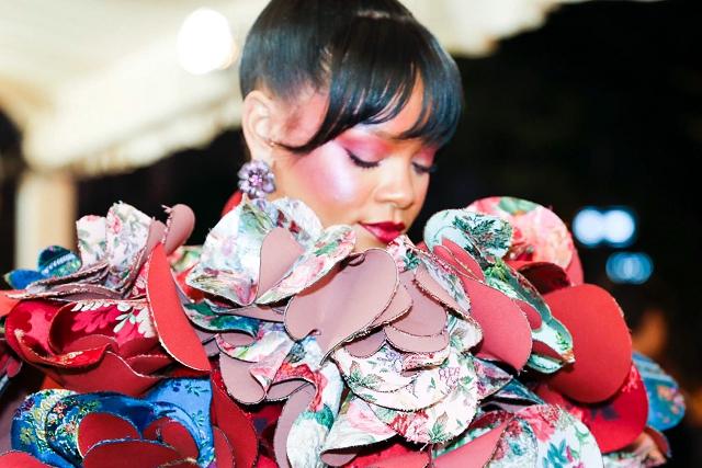 (003) Rihanna Chopard 2