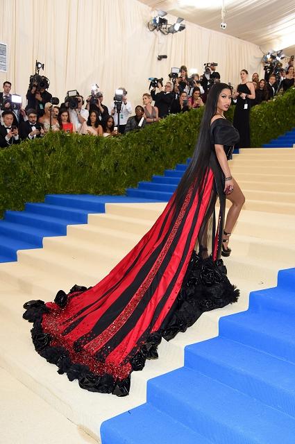 (007) Nicki Minaj著H&M禮服參與Met Gala 2017(1)