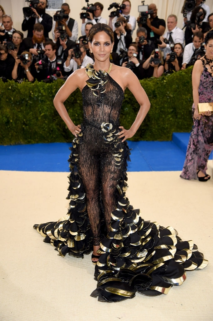 (020) Halle Berry in Atelier Versace at Met Gala 2