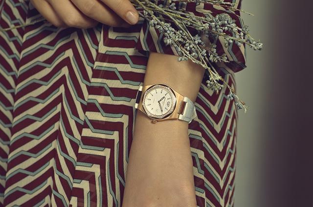 (011) 8. 34MM鑲鑽玫瑰金錶殼鱷魚皮錶帶_lifestyle.jpg