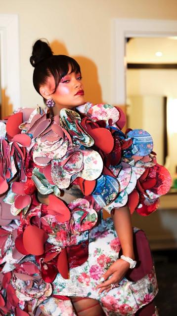 (002) Rihanna Chopard 1