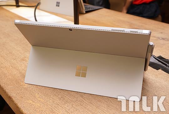 Microsoft Surface Pro 4 2.JPG