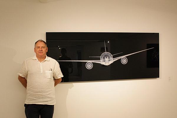 Nick Veasey與airplane
