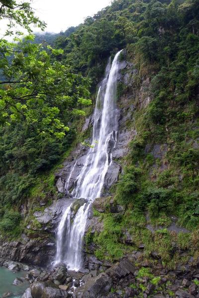 T-Wulai-Waterfall-wikipedia.jpg