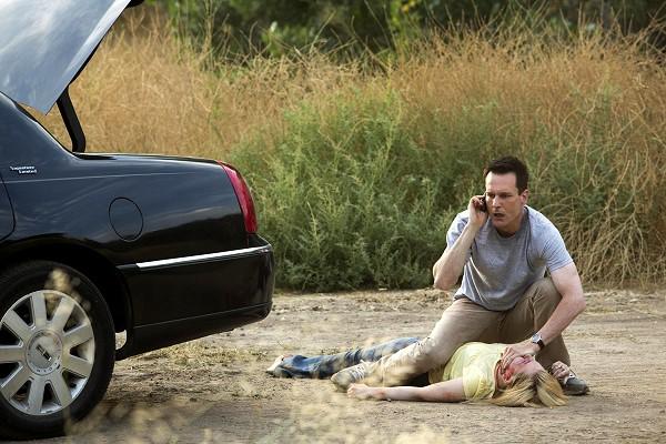 絕命連線-加拿大演員麥可伊克蘭飾演的殺人魔專挑金髮少女下手