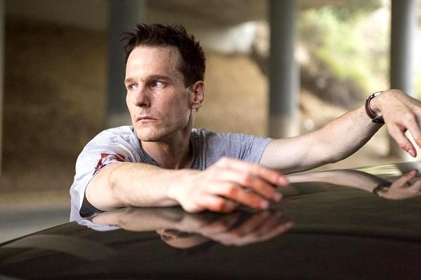 絕命連線-加拿大演員麥可伊克蘭飾演連續殺人魔