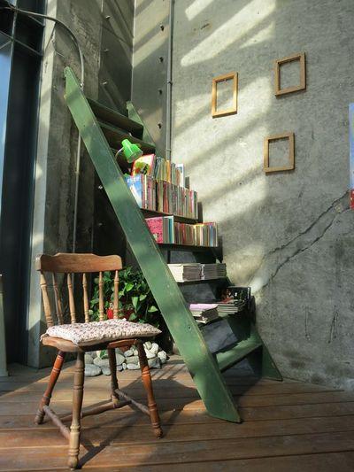 舊書櫃宜蘭咖啡1.jpg