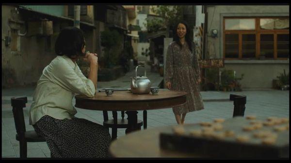 《媽媽,晚餐吃什麼?》劇照5-一青妙飾演媽媽好友李惠美;取景兌悅門.jpg