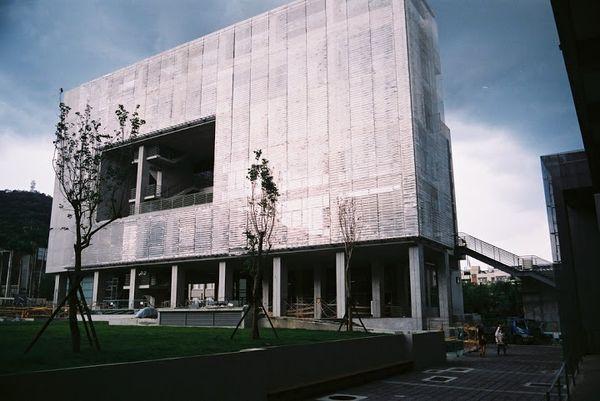 新建圖書館 (2)實踐大學官網.JPG