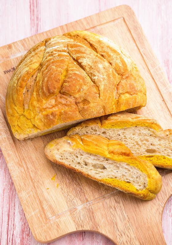 薑黃藜麥麵包.jpg