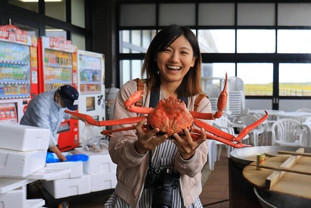 04新湊海鮮市場現煮高志紅蟹鮮甜美味價格也很實惠。.jpg