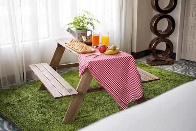 台北君悅-寶貝探險家住宿專案-室內野餐桌.jpg