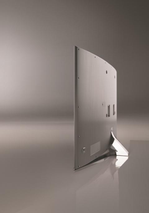三星SUHD TV從當代藝術和建築中汲取靈感,將現代極簡風發揮得淋漓盡致.jpg