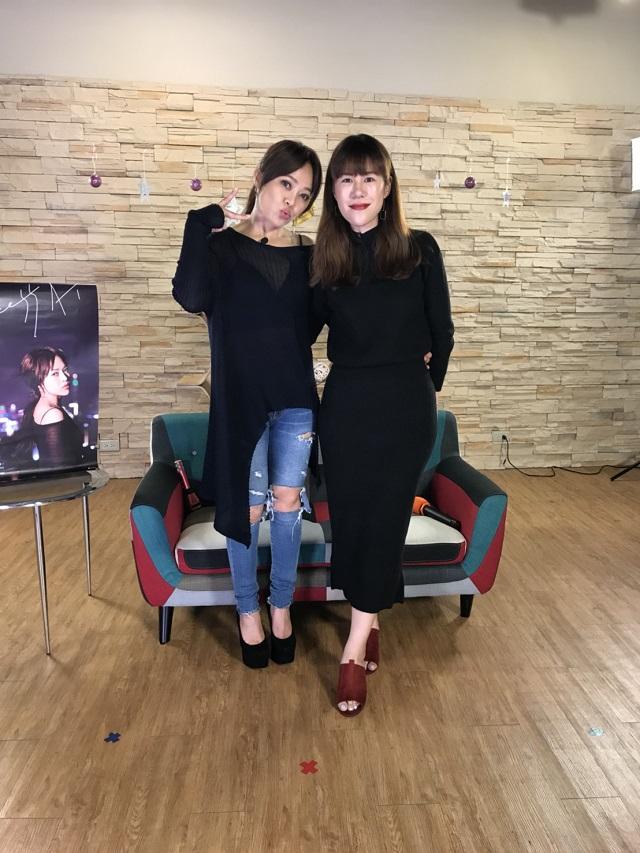 TALK TV戴愛玲+丹妮婊姐.JPG