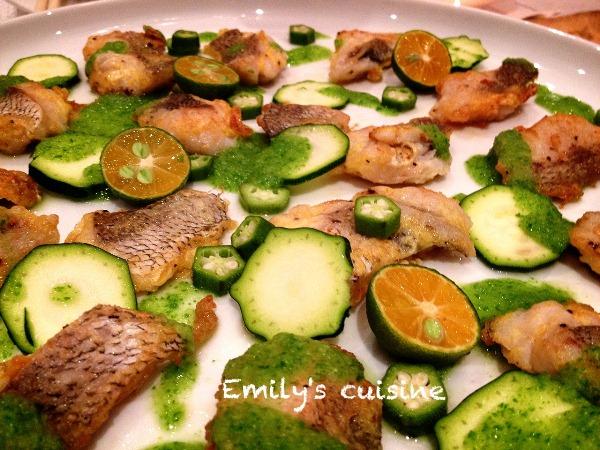 香煎魚片佐節瓜,黃秋葵&蔬菜醬汁