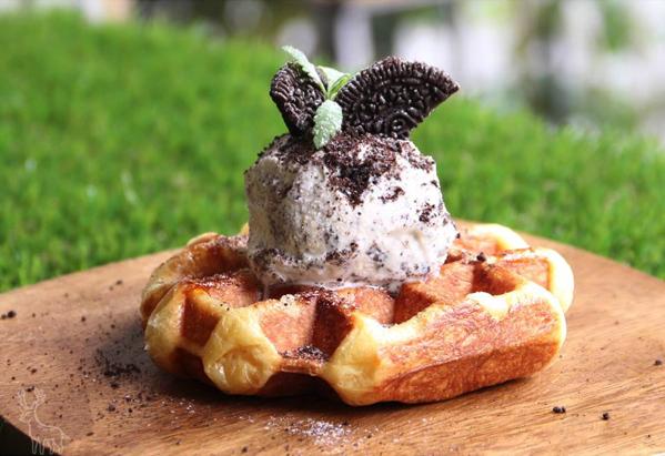 Dears Waffle & Cafe oreo冰淇淋鬆餅.png