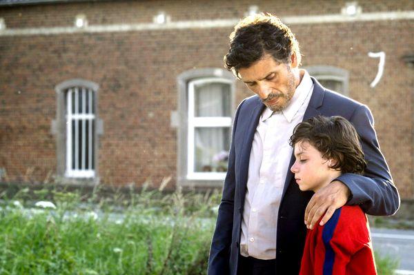 《我是妳的眼》帕斯卡艾勒柏飾演的情聖父親告訴兒子沒有謊言的愛情,不是真的愛情.jpg