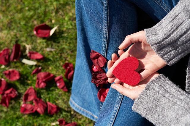 hands-heart-petals-1820525.jpg