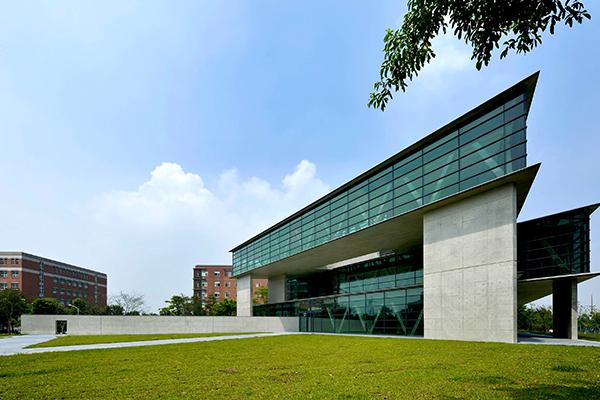 亞洲現代美術館1.jpg