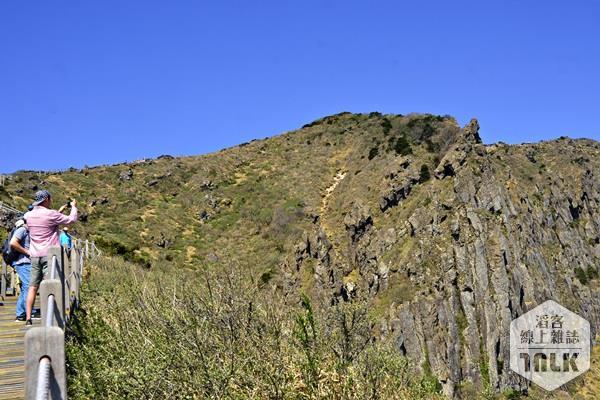 遊客拍下屏風岩
