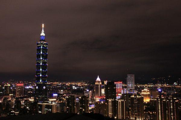 night-view-680385_640.jpg