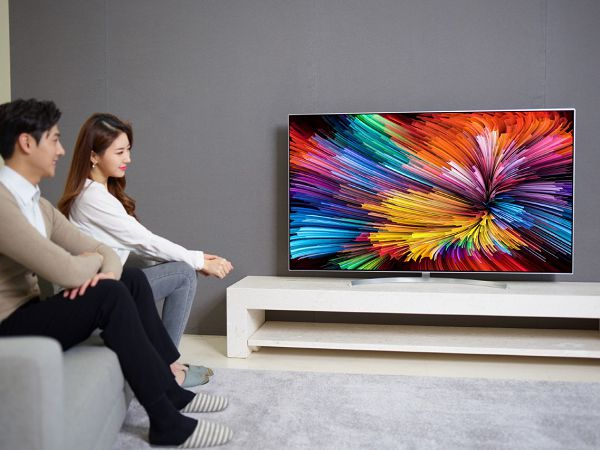 SUPER UHD TV SJ95 04.jpg