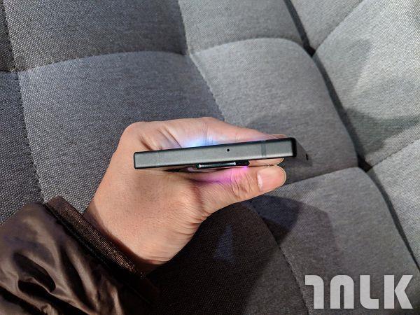 Razer Phone 2 (6).jpg