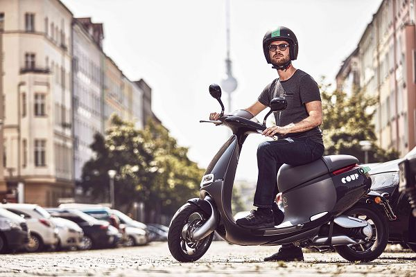 Gogoro 與 BOSCH 新創公司 COUP 合作在德國柏林提供二輪共享租賃服務.jpg